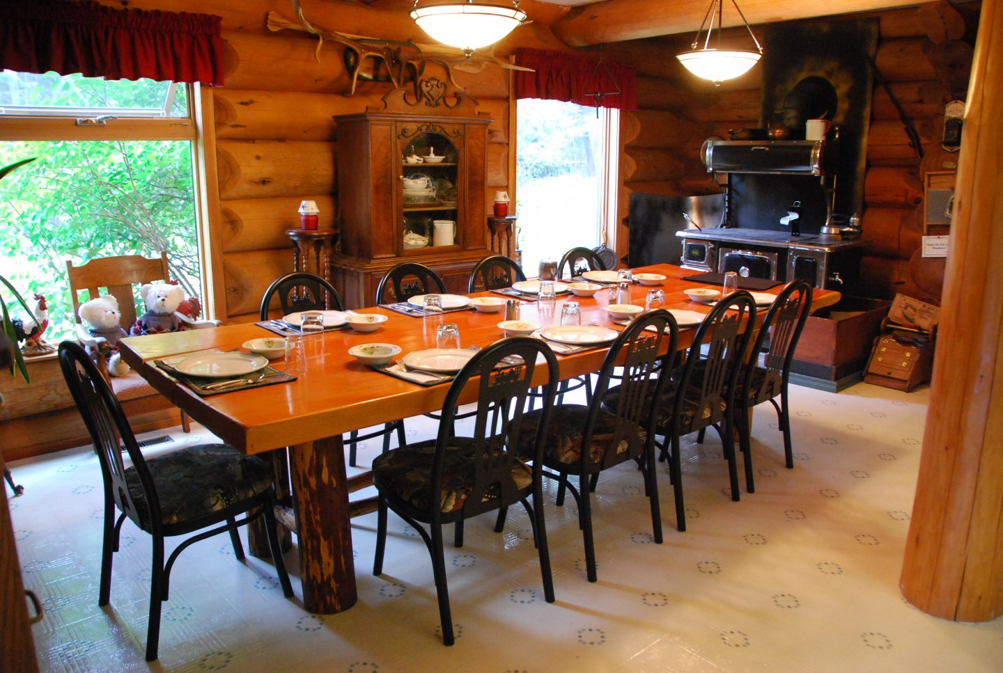 Kicking Horse Canyon bed breakfast golden bc