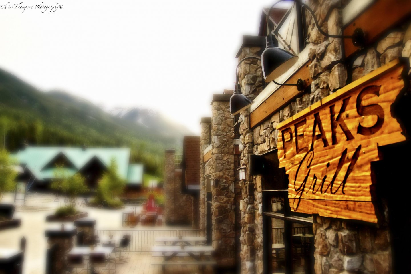 peaks grill dining golden bc