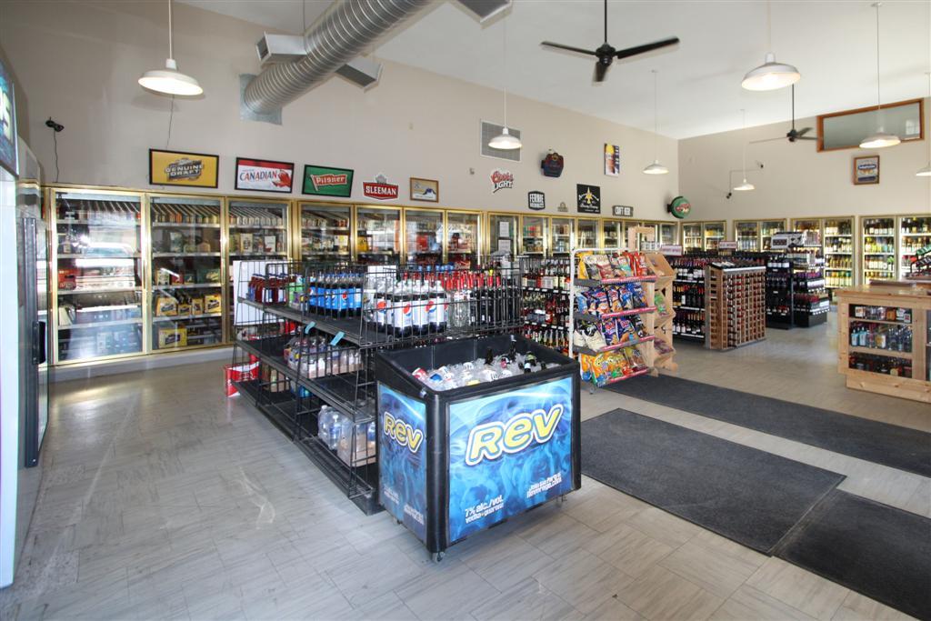 Mad Trapper Liquor Store