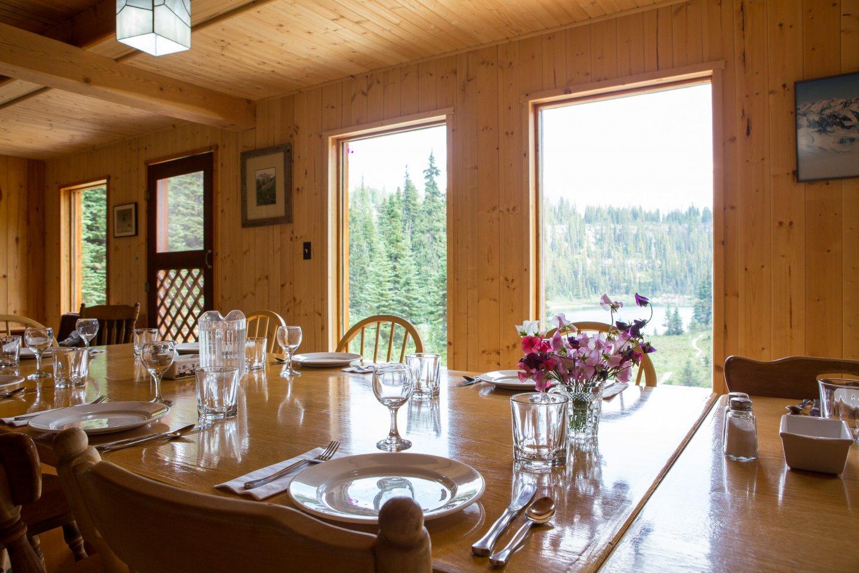 mistaya lodge backcountry