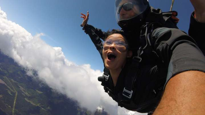 Sky Diving with Extreme Yeti